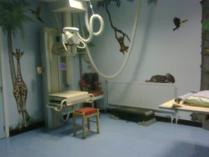 Child friendly xray room by Glitzy queen00 in wikipedia CC BY-SA 30